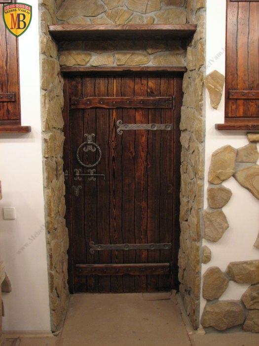 Отделка входной деревянной двери своими руками 43